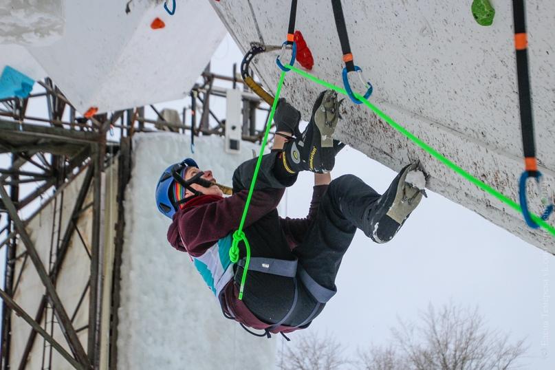 Главные отечественные ледолазные старты сезона финишировали в городе Кирове в минувшие выходные – чемпионат и первенство России по альпинизму. Всем было что доказывать и что терять…, изображение №33