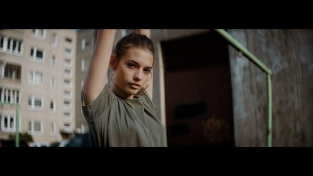 Vaidas Baumila feat. Justé - Milijonai (Official Video)