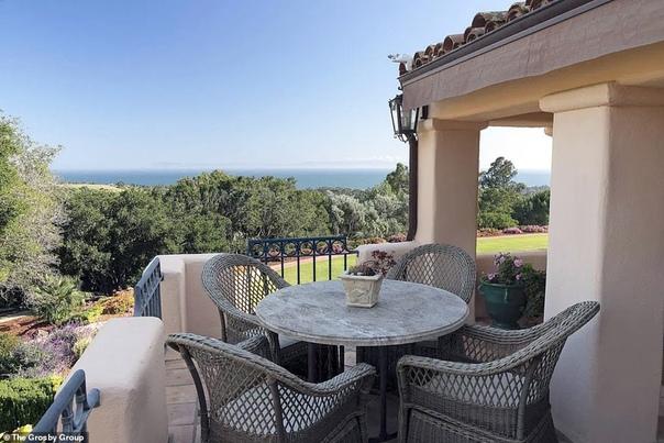 В гостях у Кэти Перри и Орландо Блума: экскурсия по их новому особняку в Монтесито с видом на океан