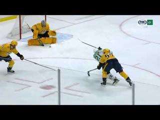 Denis Gurianov assists on Jason Robertson goal vs Predators (2021)