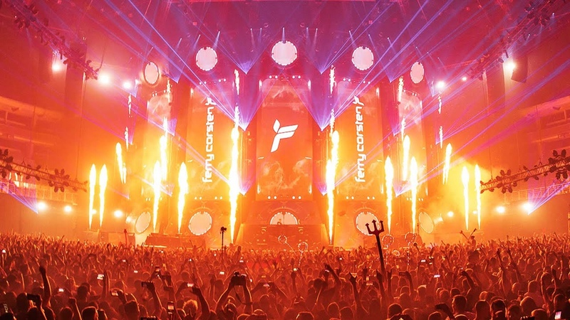 Ferry Corsten plays 'Barber's Adagio For Strings' Live at Transmission Prague 2019 4K
