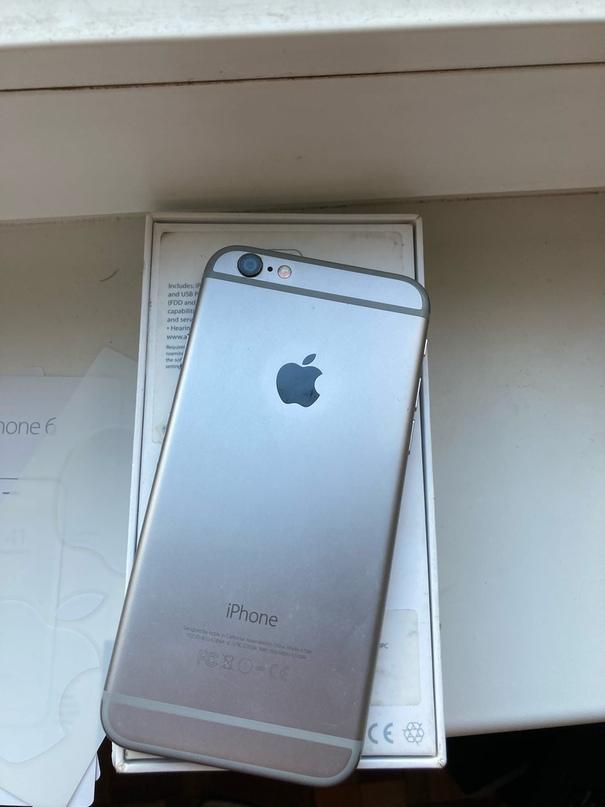 Здравствуйте! Продам iPhone 6 на 16 ГБ, цвет: серый космос. Все оригинал. Прослу...