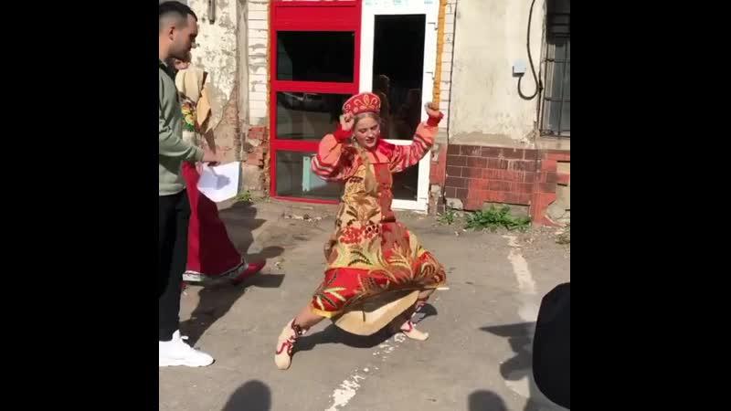 Саша Бортич танцы