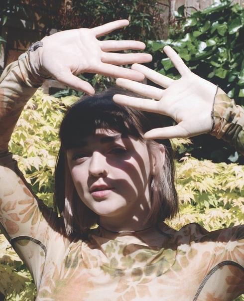 Мэйси Уильямс  фотосессия для летнего выпуска журнала Wonderland