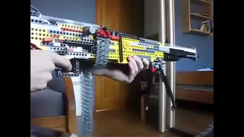 Собрал автомат из LEGO cj hfk fdnjvfn bp lego
