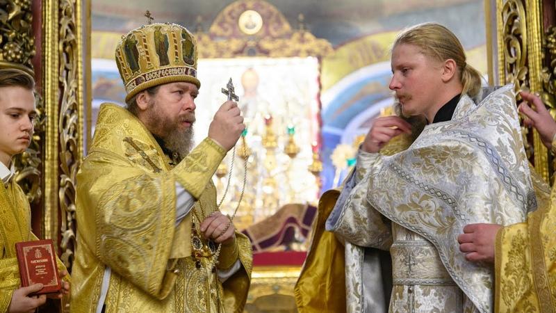 Рукоположение митрополитом Тихоном диакона Михаила Барулина во пресвитера