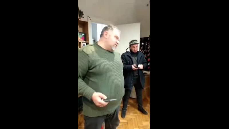 Под Киевом на фабрике ёлочных игрушек выпускали новогодние украшения с символикой армии России