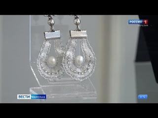В Петрозаводском Доме ремесел открылась персональная выставка художницы Ирины Власовой