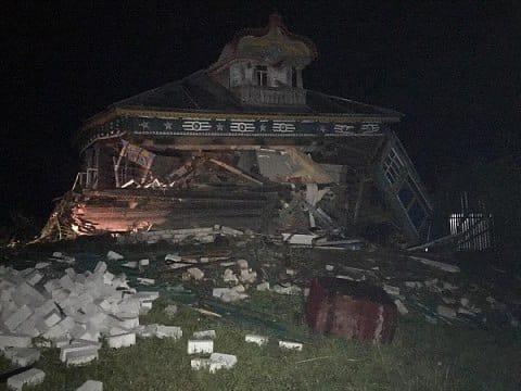 грузовик врезался в жилой дом в Вачском районе 14 июля