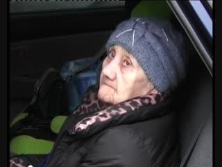 80-летнюю женщину выписали из больницы, но домой она попасть не смогла