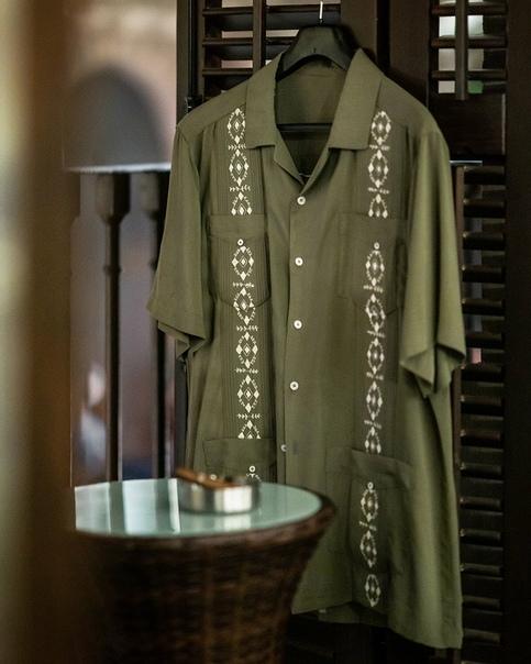 Марк Уолберг поделился первым взглядом на рубашку Салли в грядущей экранизации Uncharted