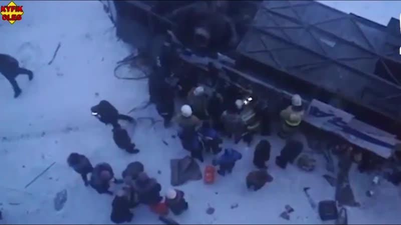 ЖЕСТЬ! СЛАБОНЕРВНЫМ БЕРЕМЕННЫМ И ВПЕЧЕТЛИТЕЛЬНЫМ НЕ СМОТРЕТЬ. Автобус вылетел с моста под Читой.
