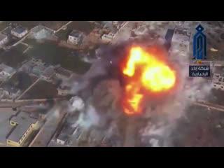 Момент подрыва двух смертников на фронт Алеппо. Гибель экипажа танка Т-55 САА