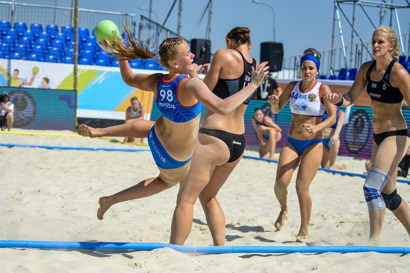Все — на пляж! Станет ли песчаный гандбол олимпийским?, изображение №2