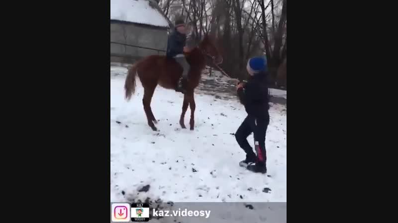 Атқа міну сəті болашақ шабандоз