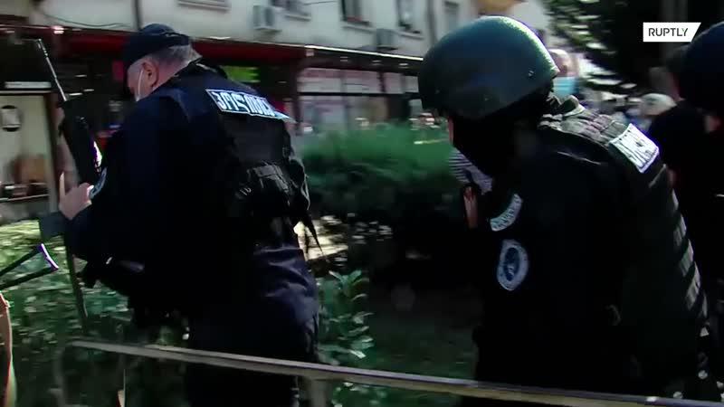 Полиция сообщила о захвате неизвестным девяти заложников в Тбилиси