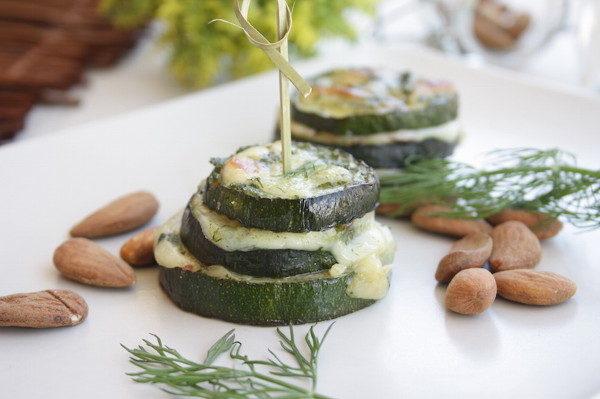 Запеченные кабачки с сыром и миндалем, изображение №15
