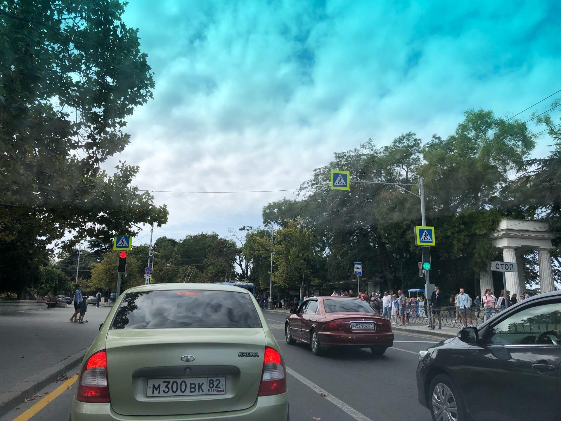 Что за ерунда сейчас на Нахимова со светофорами?