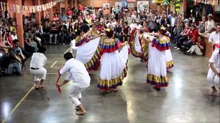 Danza Cumbia colombiana Folclore Latino Integracion Festa Latina 2012