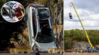 Volvo сбрасывает десять своих автомобилей с 30 метров: ВЫСОКИИ стандарт безопасности: