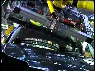 Usine PSA Rennes - Fabrication de la citroen C5 (vidéo 2/3)