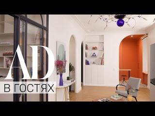 В гостях у Ксении Мезенцевой: яркий офис дизайнера и мастер-класс по использованию цвета в интерьере