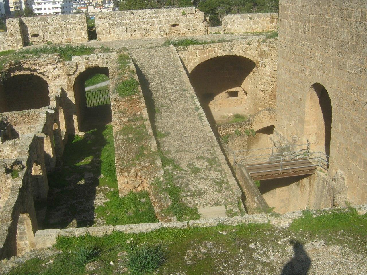 Арест северного Кипра на крепостной стене в Газимагуса