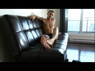 French-canadian twink's bare soles