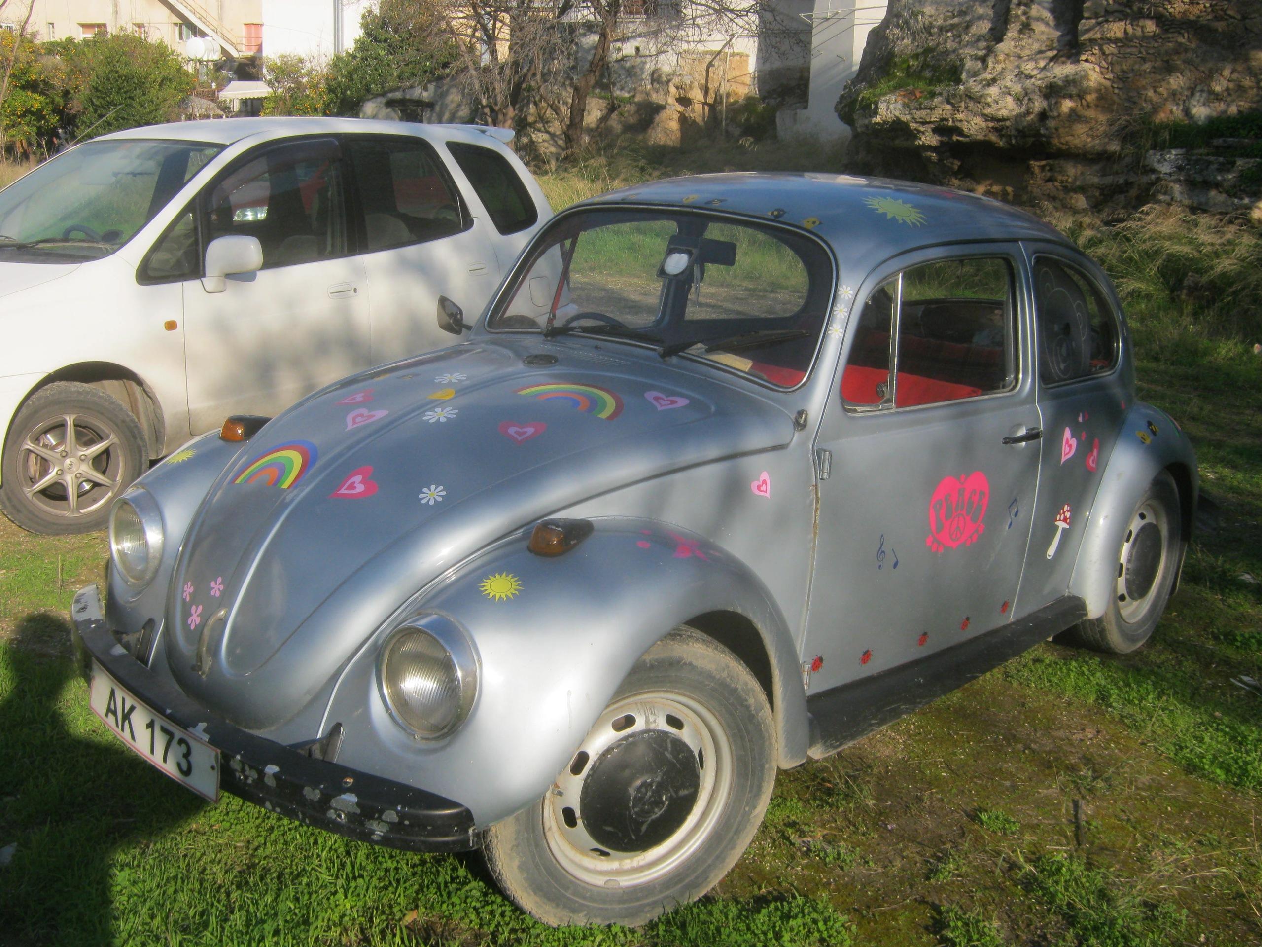 """Старинные фольксвагены-""""жуки"""" на Кипре"""