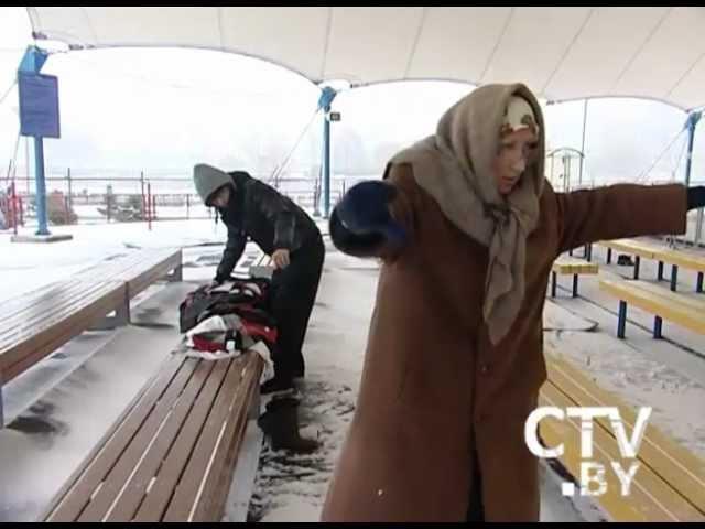 Помогут ли бабушке прокатиться на коньках