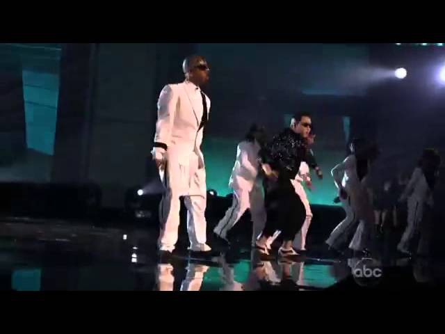 PSY ft Special guest MC Hammer Gangnam Style 2 Legit 2 Quit on American Music Awards AMA