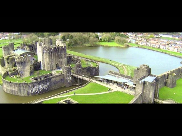 Castles from the Clouds Caerphilly Castle Cymru o'r Awyr Castell Caerffili