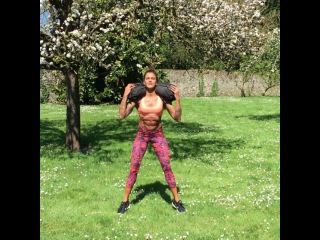 Certified Personal Trainer on Instagram: You gotta LOVE outdoor workouts! The sun, the nature! And you don't even need that much equipment! Using one of my favorite odd object