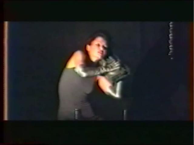 Manon Anne Gillis at Divergences Divisions V 1988