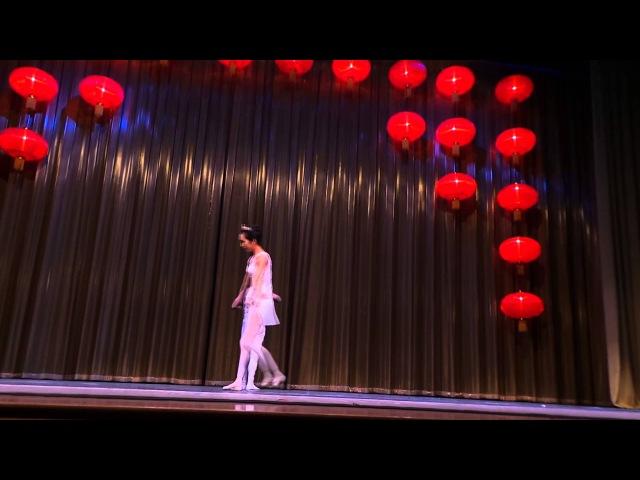 В Уфе китайская балерина станцевала на голове партнера