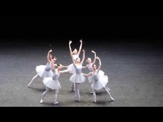 "Vienna State Opera, Jerome Robbins' ""Concerto"" (2011) - funny ballet"