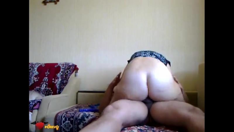 деваха нехило скачет сверху Порно домашнее и любительское.