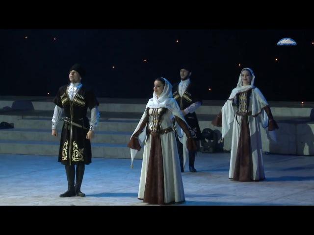 Ансамбль Адат - Кумыкский танец - Вечер чествования выпускников - Землячество 2016