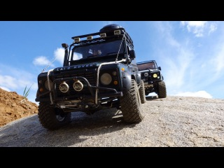 scale offroad adventures in desert: rc land rover defender 90 #wildbrit vs rc defender 90