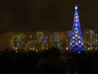 3D-шоу на фасадах Дворцовой площади.24 декабря