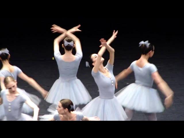 Это самый смешной балет который я видел в жизни 720p