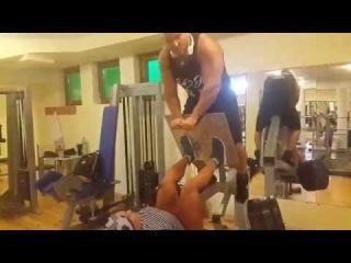 Король Анаболиков тренирует Трухину