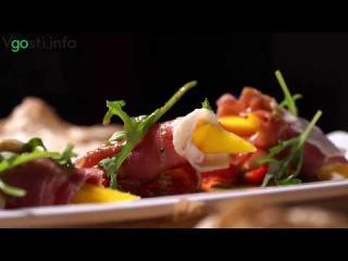 """""""Инжир"""" Рестораны Краснодара на . Салат с Пармой,Манго и горчичным дрейсинг..."""