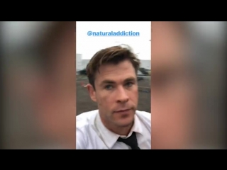 Chris Hemsworth shares hilarious behind-the-scenes video from set of Men In Black spin-off  Daily Mail Online (1)