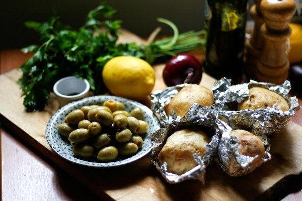 Картофельный салат с оливками, изображение №2