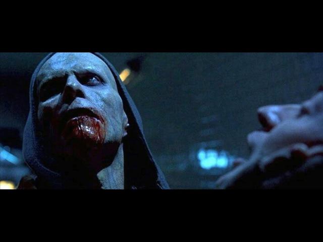 Blade 2 2002 Jared Nomak At The Blood Bank 1080p