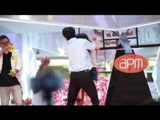 170716 kim samuel dance with fan @hong kong apm shopping mall event