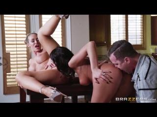 August Ames, Nicole Aniston (Fucking Neighbors!) Cocaine