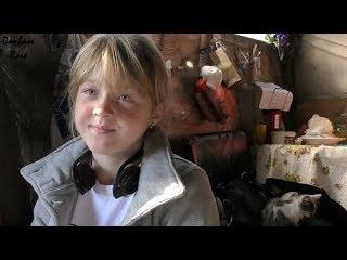 Little girl from Spartak/Девочка из прифронтового поселка Спартак