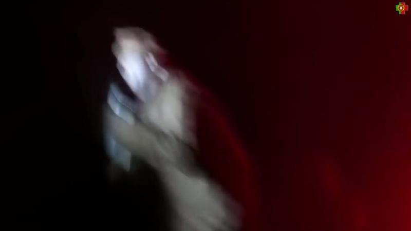 Вокалист Rammstein шокировал фанатов на концерте искрящим поясом смертника